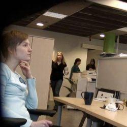 Pilvi Takala als de stagiaire - zonder computer