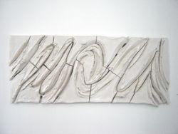 PLON i (2001), keramiekrelief van 110 bij 270 cm